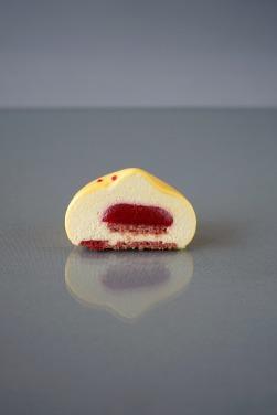 Petit Gâteaux de manga e framboesa