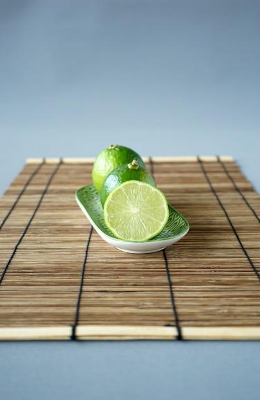 Himbeer Weisse Kuvertüre Limetten Tarte / Framboesa Chocolate Branco Limão Taiti Tarte